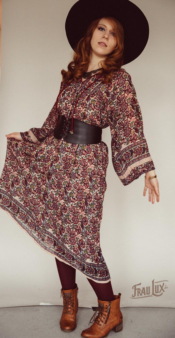 Frau Lux Vintage Mode, 70er Jahre Hippiekleid, Bohodress