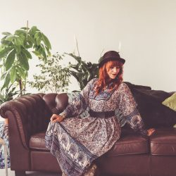 Vintage Kleider im Stil verganener Jahrzehnte
