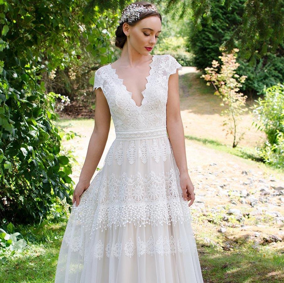 Bohmisches Brautkleid Mit Viel Spitze Frau Lux Vintage