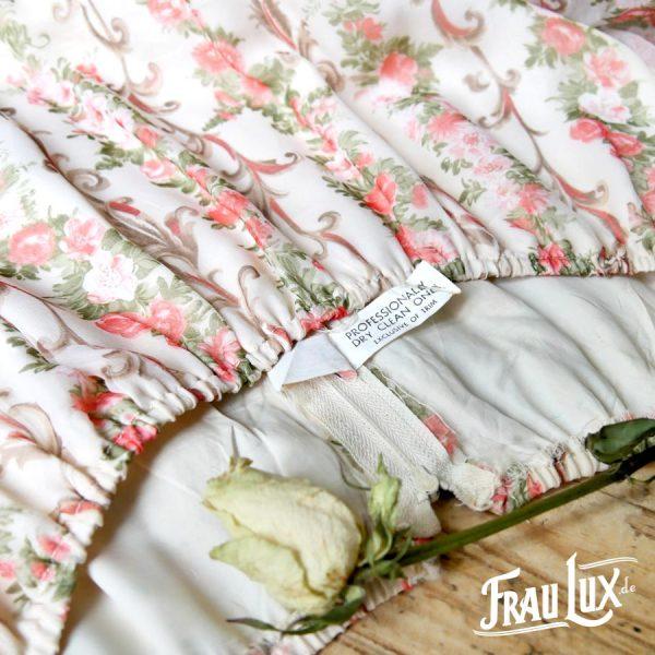 Frau Lux Vintage – Original Vintagekleid cremefarbend mit Rosenranken