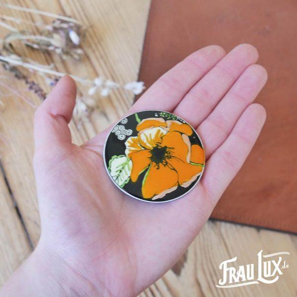 Frau Lux Vintage – Brosche rund mit Blumen