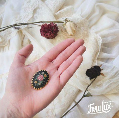 Frau Lux Vintage – Brosche Rose