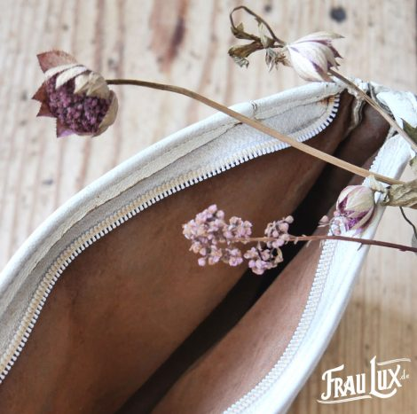 Frau Lux Vintage – Leder Damenhandtasche weiß