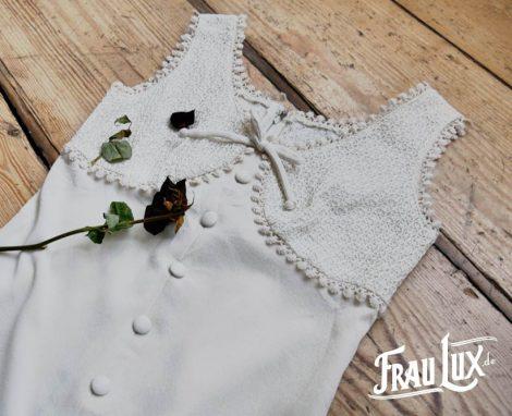 Frau Lux Vintage – schlichtes cremeweisses Vintagekleid ärmellos