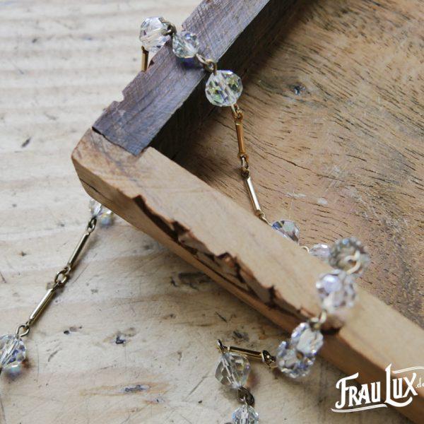 Zierliche Kristallperlenkette