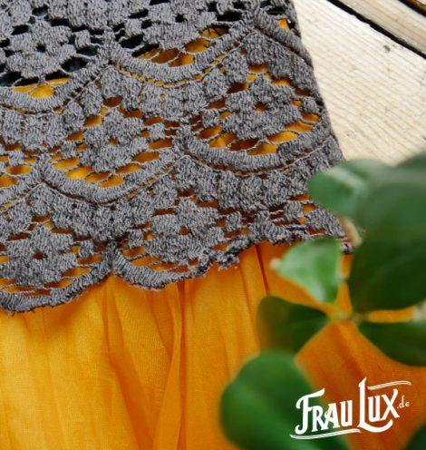 Frau Lux Vintage – gehäkelter Einteiler mit Rock