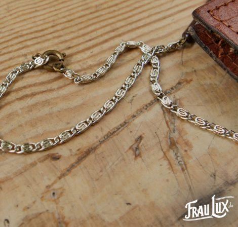 Frau Lux Vintage – lange Kette in silber und braun