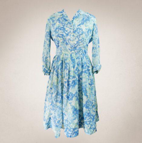 Frau Lux Vintage – Vintagesommerkleid luftig mit blauen Blüten