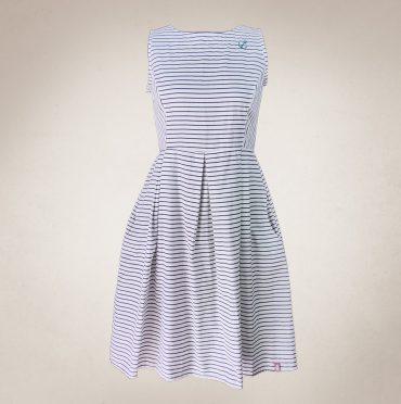 Frau Lux Vintage – Maritimes Sommerkleid weiß blau gestreift