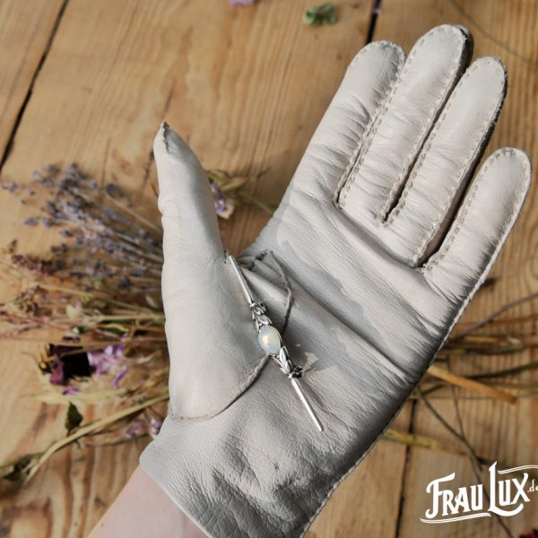 Frau Lux Vintage – Nadelbrosche