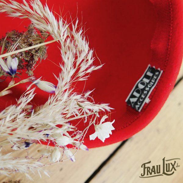 Frau Lux Vintage – Pillboxhut rot