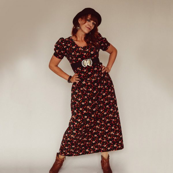 Frau Lux Vintage – Samtkleid mit Blüten