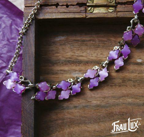 Violettes Lucite Collier