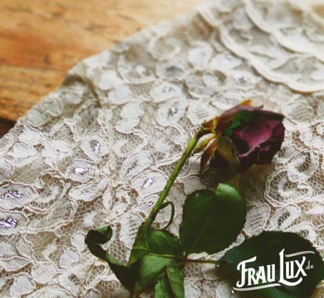 Frau Lux Vintage – Spitzenoberteil in cremeweiß