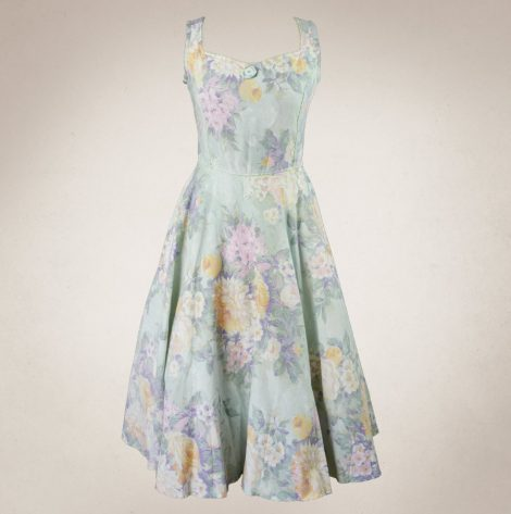 Frau Lux Vintage – Sommerkleid mit Blüten, ärmellos