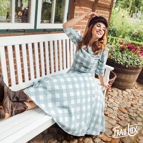 Frau Lux Vintage – kariertes Kleid mit Bubikragen
