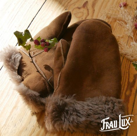 Frau Lux Vintage – Braun und flauschig gefütterte Handschuhe